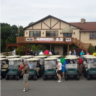 a photo of hideaway hills golf event attendees