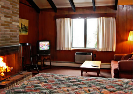 a photo of the hideaway hills stay and play cottage